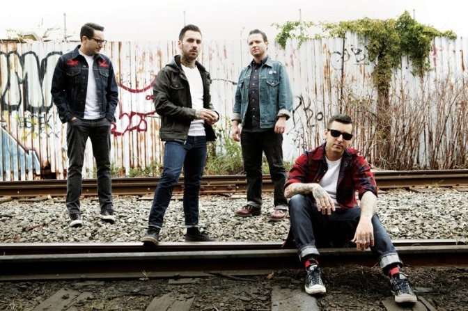 """NUOVA CANZONE: """"Dancing Like An Idiot"""" by Bayside"""