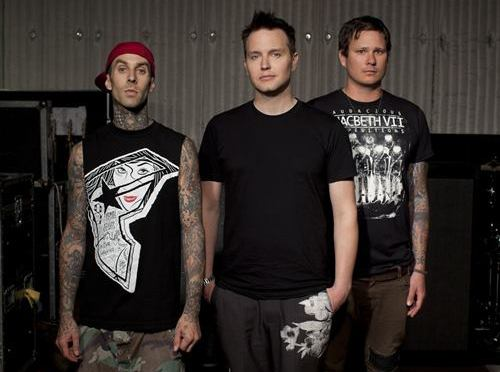 Travis Barker sta girando un documentario con Mark Hoppus e Tom Delonge