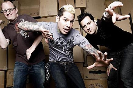 "NUOVO VIDEO: ""Stay on Your Feet"" by MxPx"