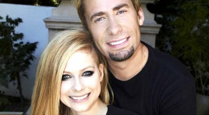 Avril Lavigne sale sul palco con i Nickelback per una rimpatriata con Chad Kroeger