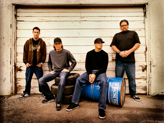 "NUOVA CANZONE: ""Live While You Can"" by Pennywise"