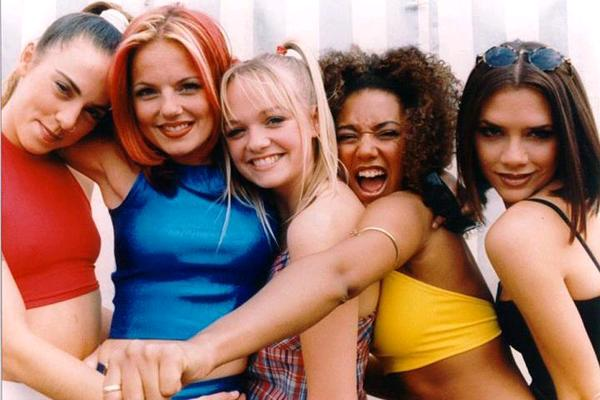 Le Spice Girl si riuniscono e parte subito il throw back!
