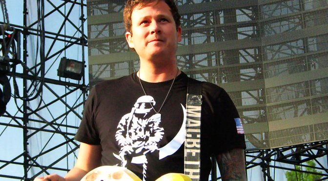 "NUOVO VIDEO: ""Circle-Jerk-Pit"" by Tom DeLonge"