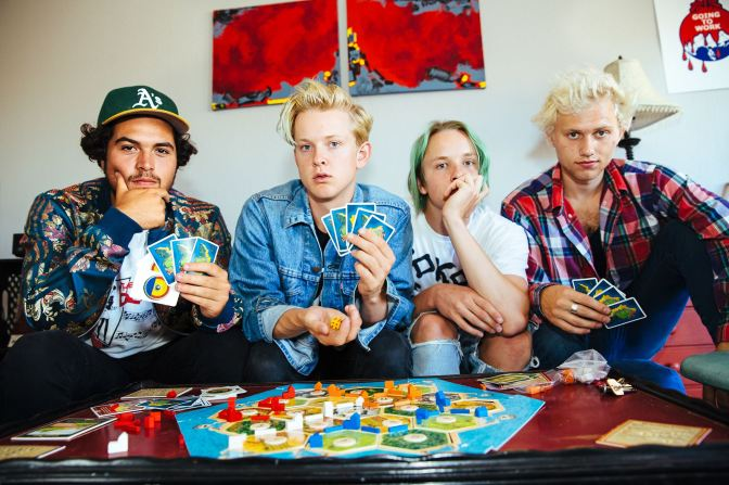 "NUOVO VIDEO: ""Lose It"" by Swmrs"