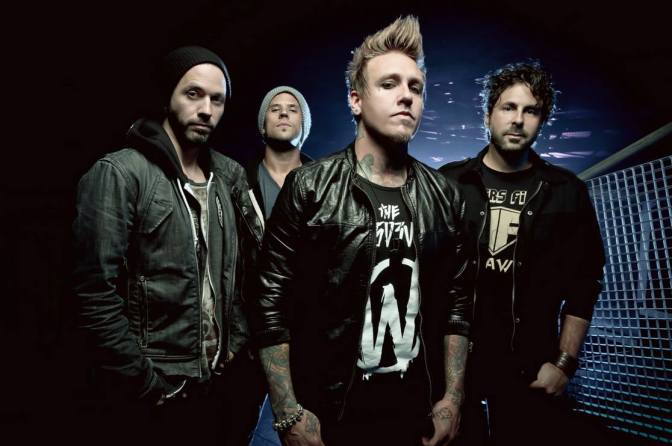 """NUOVO VIDEO: """"Falling Apart"""" by Papa Roach"""
