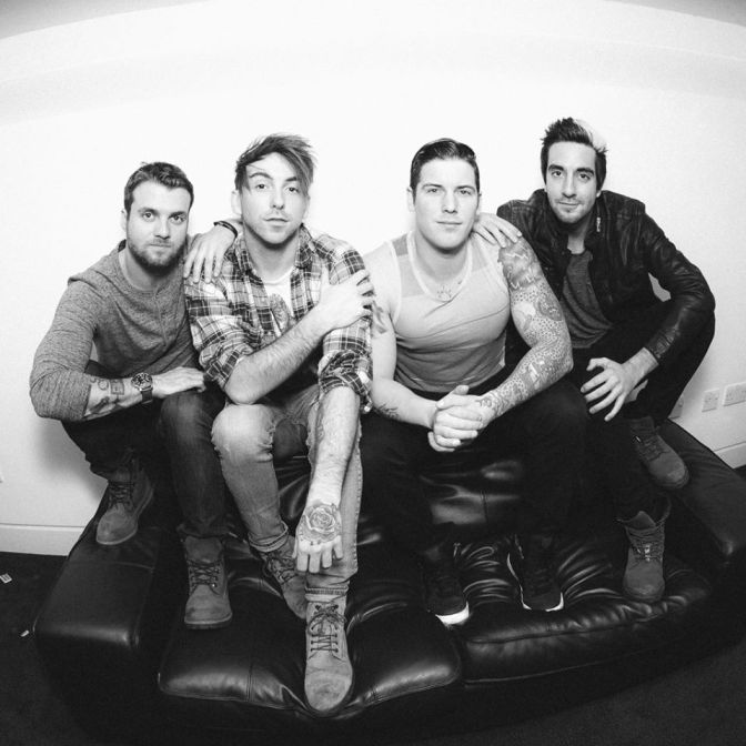 "NUOVA CANZONE: ""Dirty Laundry"" by All Time Low"