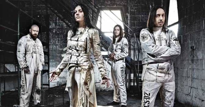 "NUOVA CANZONE: ""Naughty Christmas"" by Lacuna Coil"