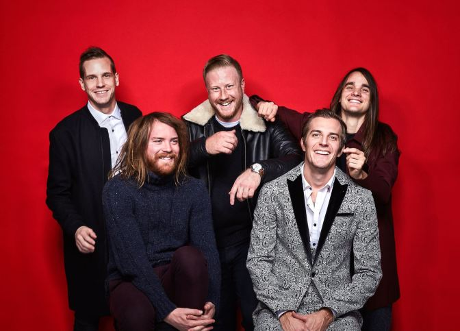 "ACOUSTIC: ""Bad Behavior"" by The Maine"