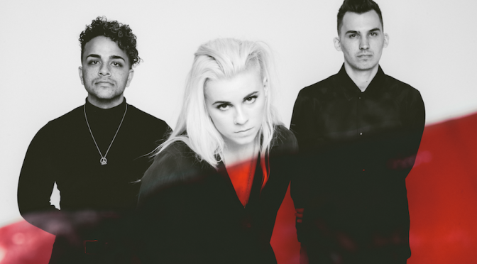 "NUOVO VIDEO: ""What's Wrong"" by PVRIS"