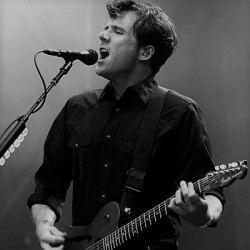 Jimmy-Eat-World-frontman-Jim-Adkins-performing-in-2008