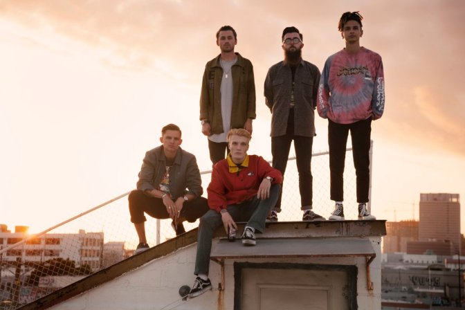 """NUOVO VIDEO: """"Parachute"""" by Neck Deep"""