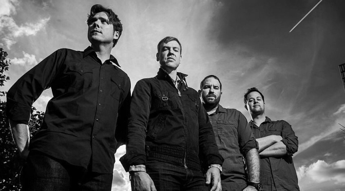 Ascolta 3 brani dei Jimmy Eat World in acustico