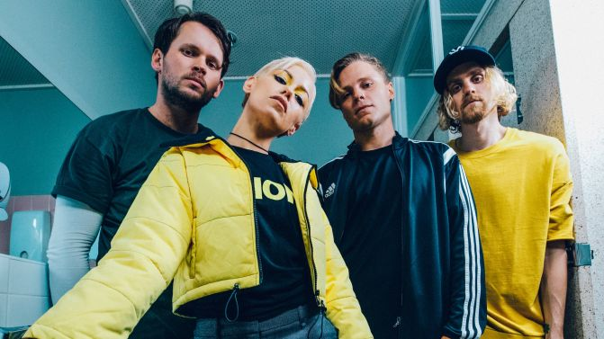 "NUOVO VIDEO: ""Crack My Heart"" by Tonight Alive"