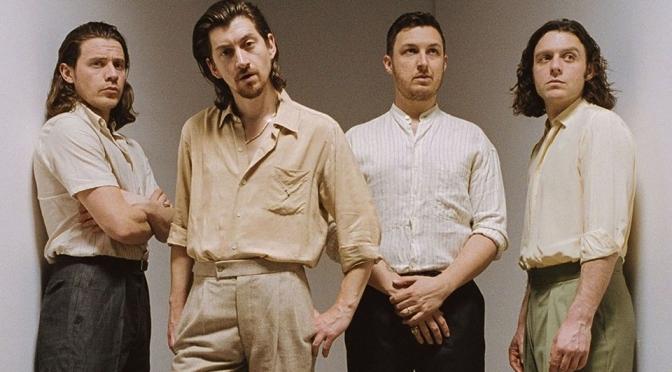 Tranquility e casino a Milano: gli Arctic Monkeys live al Mediolanum Forum di Assago
