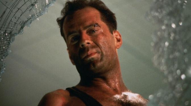 Immagini Hard Di Natale.Bruce Willis Conferma Die Hard Non E Un Film Di Natale