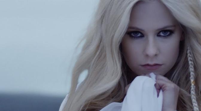 Ecco lo struggente video di Head Above Water di Avril Lavigne