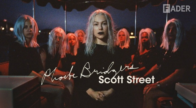 Una dozzina di Phoebe Bridgers nel video di Scott Street