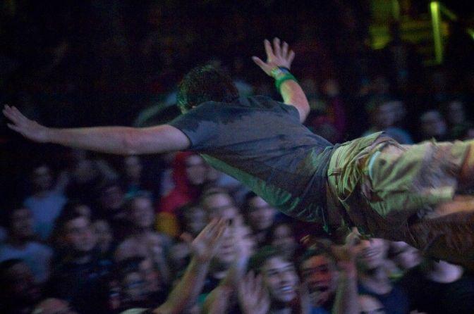 Top 10: canzoni su cui fare stage diving