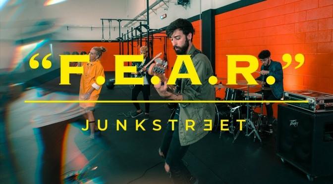 I Junkstreet cambiano corso con la nuova canzone F.E.A.R.
