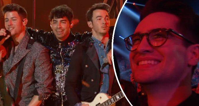 Brendon Urie che fangirla per i Jonas Brothers è tutti noi
